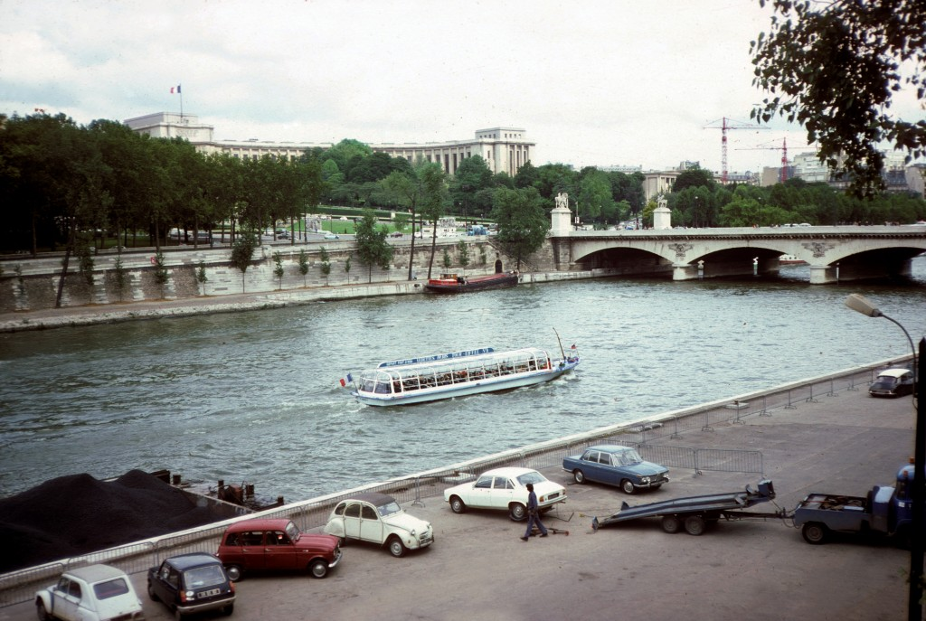 0003 Paris 02 - Along the Seine 1