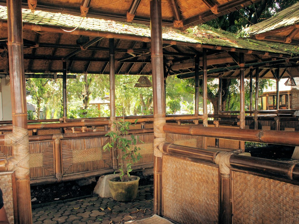 The Dago Tea House, or Dago Thee Huis for the Dutch, is a great place for a quiet meal in the Sundanese manner.