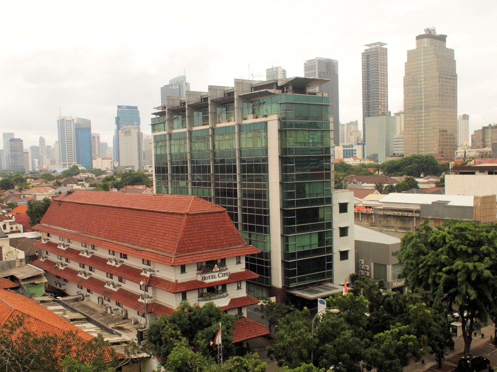 Most of the buildings along Thamrin and Sudirman are new and taller than the buildings we remembered which are hidden behind them.