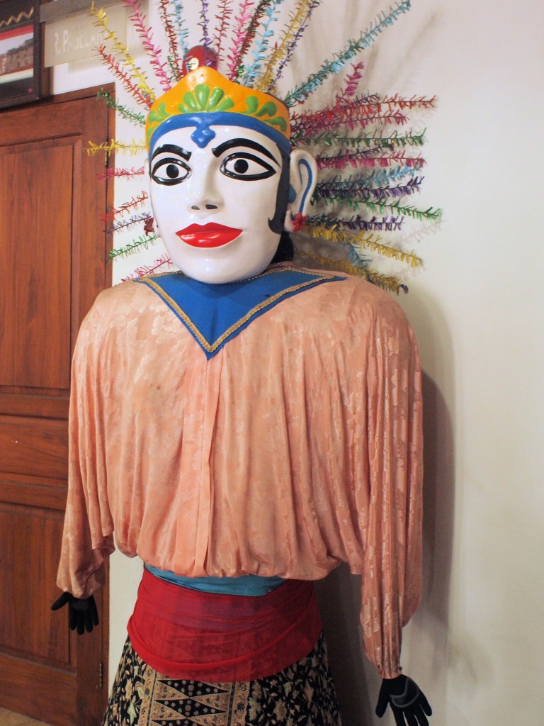 Female ondel-ondel. These puppets originated with the Betawi, the original inhabitants of Batavia.