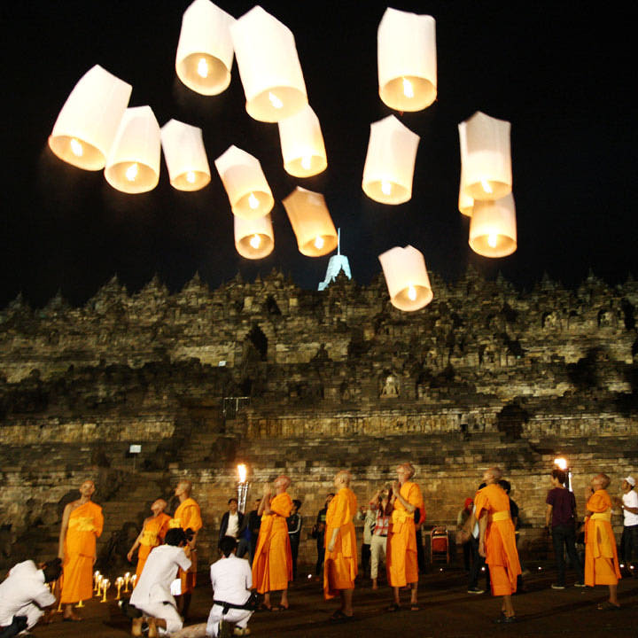 Borobudur-Monks-Lanterns